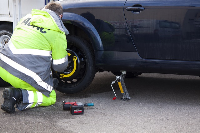 truck mechanic mobile repair service convenience